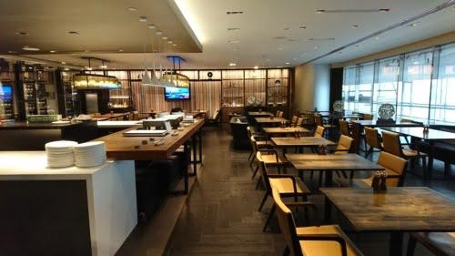 JWマリオット香港 SPGAMEXの無料宿泊特典利用 エグゼクティブハーバービューにアップグレード クラブラウンジの朝食/夕食