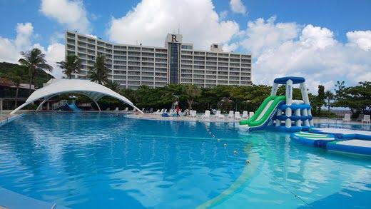 ルネッサンスリゾート沖縄の夏休み リニューアル後のデラックスツインアップグレード&クラブサビーで無料ランチ
